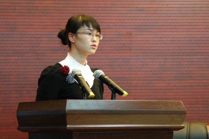 鹤山三中余文娟老师图片